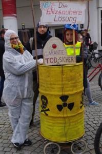 Anti-AKW-Demo-Kiel-12-3-2016-Atomkraft- ist-todsicher