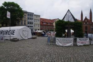 Ausstellung Nothilfe in Lübeck, Koberg.