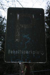 Behelfsparkplatz