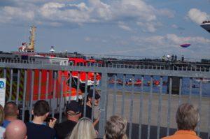 Blockade eines Kreuzfahrtschiffes in Kiel durch Smash Cruiseshit