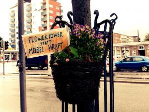 Flower Power statt Möbelkraft. JA beim Bürgerentscheid am 23.3. in Kiel!