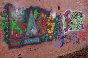 Graffiti am NOK in Kiel-Wik nahe Projensdorfer Straße