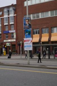 Illegale Anbringung von Werbeschildern durch die Landeshauptstadt Kiel - Hochschieben ist verboten!