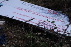 Torschlusspanik in Kiel: Vor dem völligen Finanzkollaps versuchen die Ratsparteien das Zentralbad fertigzustellen. Trotzdem stagniert der Bau.