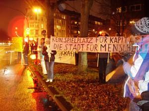Möbelkraft Kiel - Protestleuchten im Dezember 2011