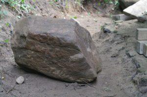 Manchmal liegt ein Stein im Weg