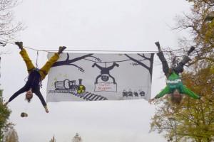 Gegen die Atommüll-Verschieberei: ROBIN WOOD-Protest vor dem Forschungszentrum Jülich, 19.11.14 (Foto und Bildrechte: ROBIN WOOD)