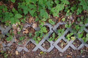 Rasengittersteine aus Kunststoff zur Böschungssicherung